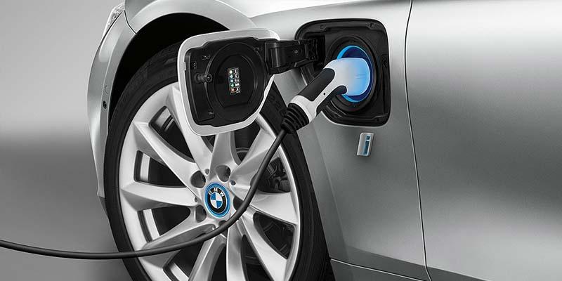 Download iPerformance Series 5 Sedan E-Brochure